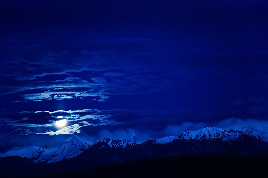 Vollmond ueber der Alaskakette, Denali Nationalpark  - Alaska, Full moon over the Alaska range